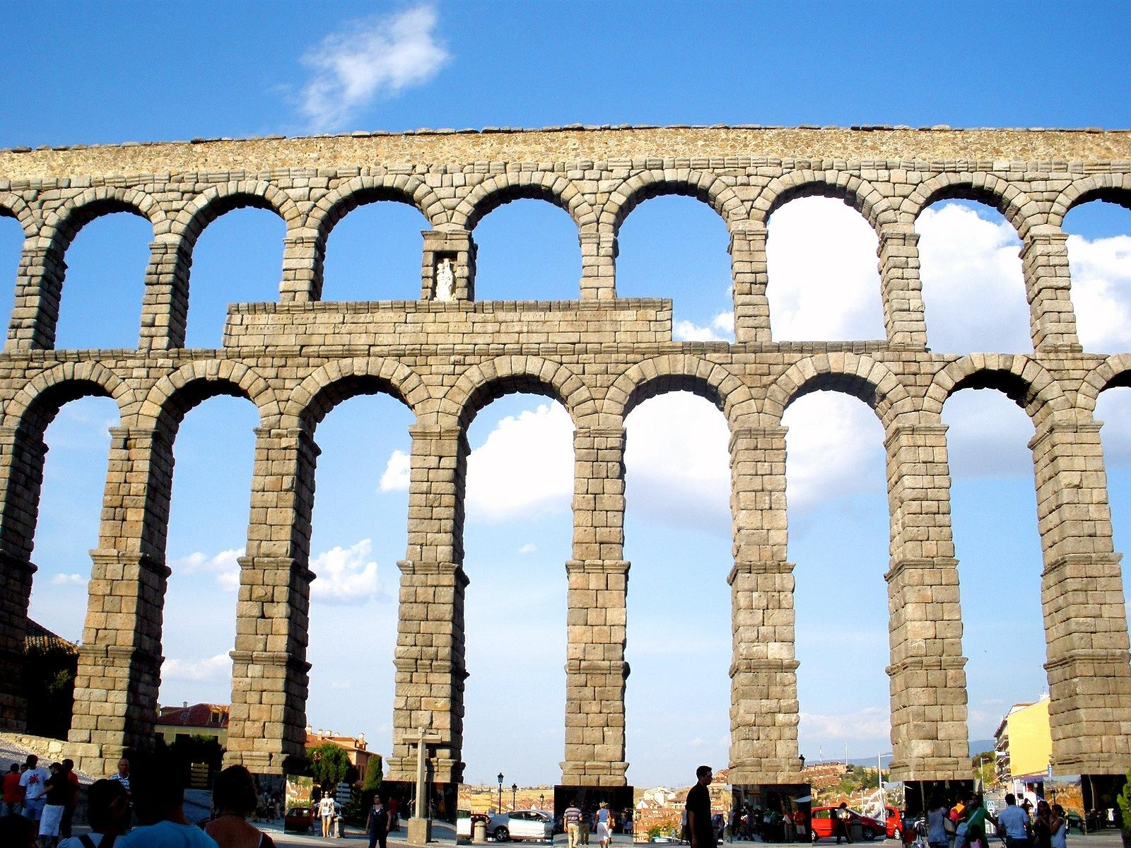 Roman aqueducts for private and public benefit